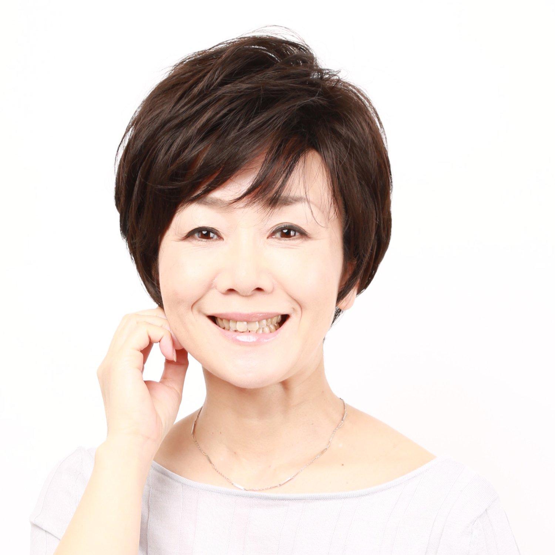 Igennki Top Quality Heat Resistant Synthetic Fiber Hair Short Feminine Layered Wig for Women S004 (N2 Natural Black)