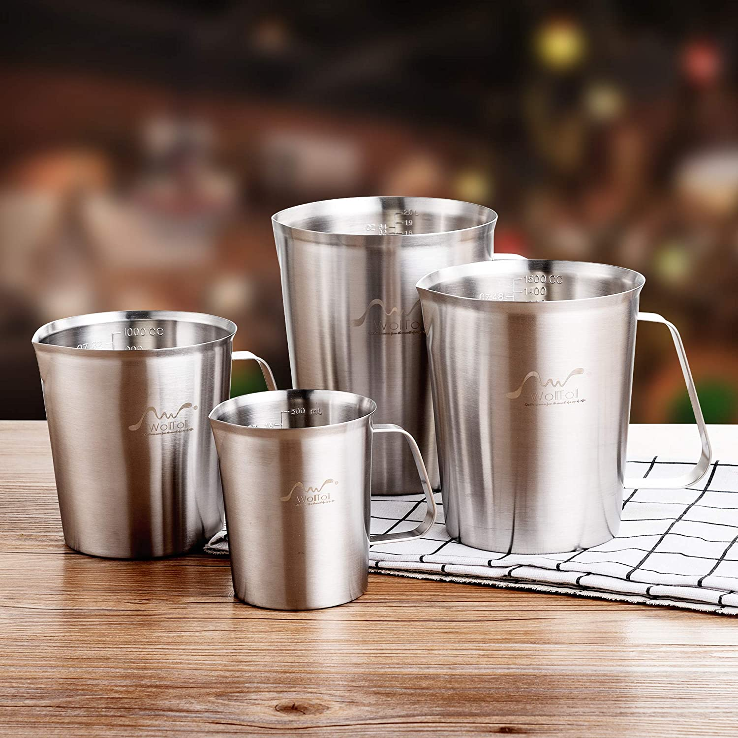 Stainless Steel 304 Measuring Cup with Scale (33.8oz/1Liter, 6 Cups) Large Capacity Kitchen Coffee Cappuccino Latte Art Tea Milk Frothing Jug Pitcher Beaker