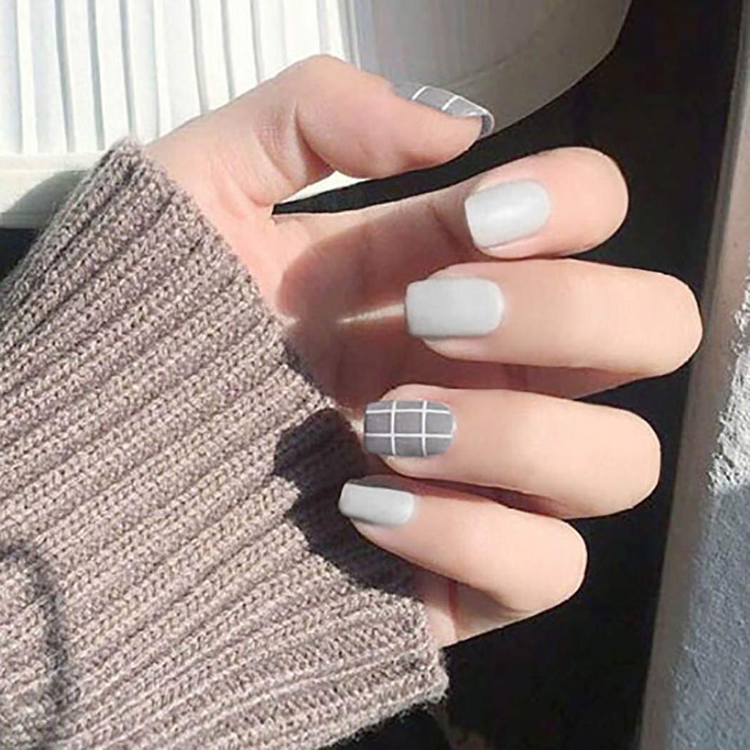 Woeoe Matte Geometrical Lines Press on Nails Colors Jump White Gray Short Fake Nails Square Full Cover Artificial False Nials for Women and Girls (24Pcs)