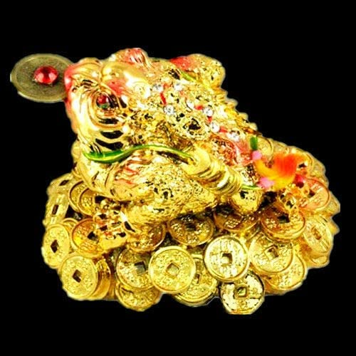 Fashion Feng Shui Three Legged Wealth Frog (Money Frog Or Money Toad) On The Pile of Money