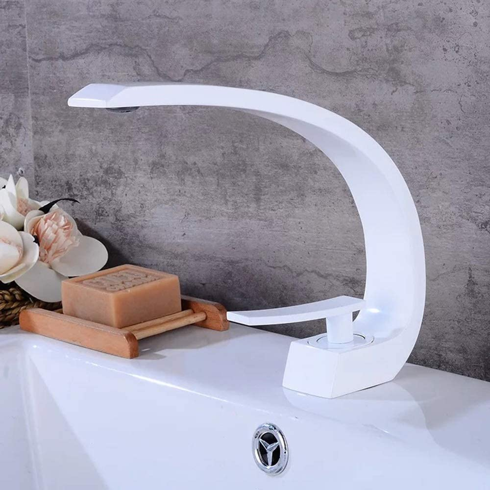 zZZ Creative Sickle-Shaped Water Kitchen Bathroom Toilet Lifted Copper Faucet Practical