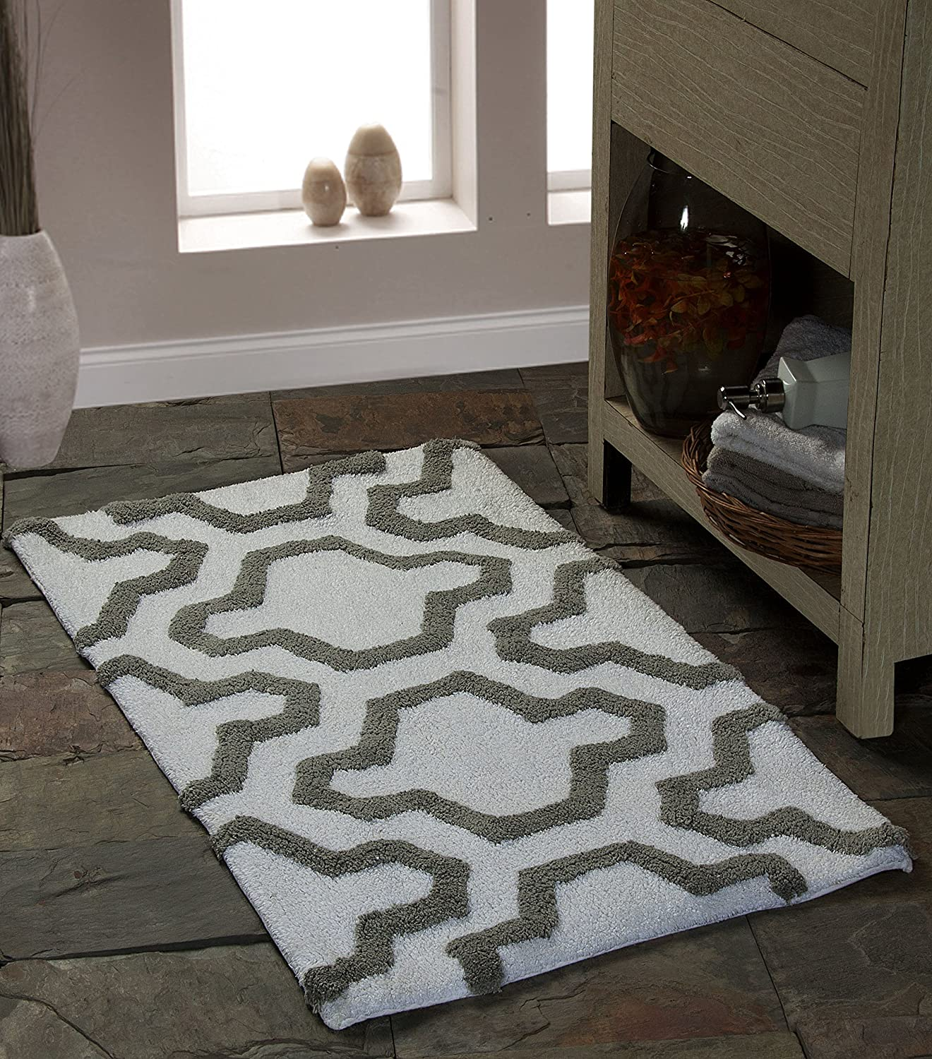 Saffron Fabs Bath Rug 100% Soft Cotton, Size 50x30 Inch, Latex Spray Non-Skid Backing, White/Grey Color, Geometric Pattern, Hand Tufted, Heavy 190 GSF Weight, Machine Washable, Rectangular Shape