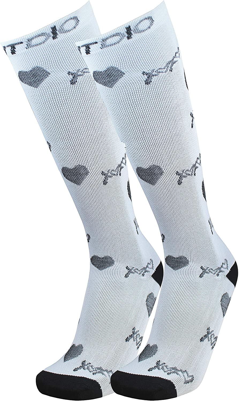 XoXo Hugs & Kisses Graduated 15-20mmHG Knee High Compression Socks For Men & Women, White/Black