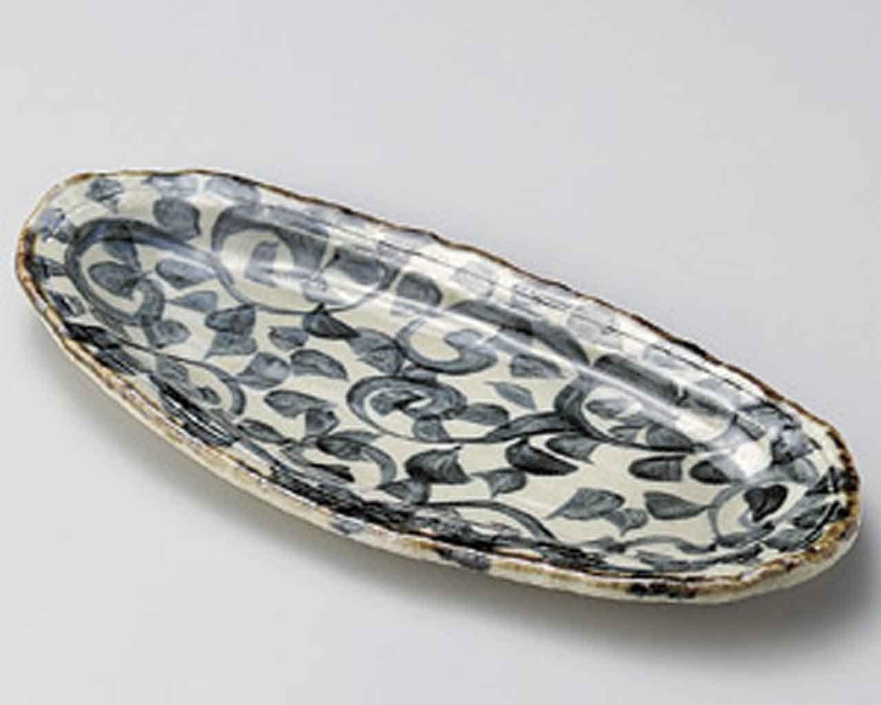 Tako Karakusa Oval 12.6inch Set of 2 Medium Plates Beige Ceramic Made in Japan