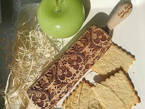 Strawberry engraved rolling pin, Flowers embossed dough roller,Wooden rolling, Birthday gift for mom, Wedding gift for bride,Gift for mom