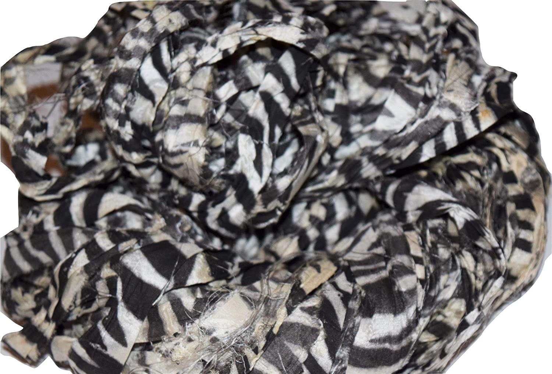 Sari Silk 100 g Ribbon Recycling Silk Yarn White Black Zebra Block Print