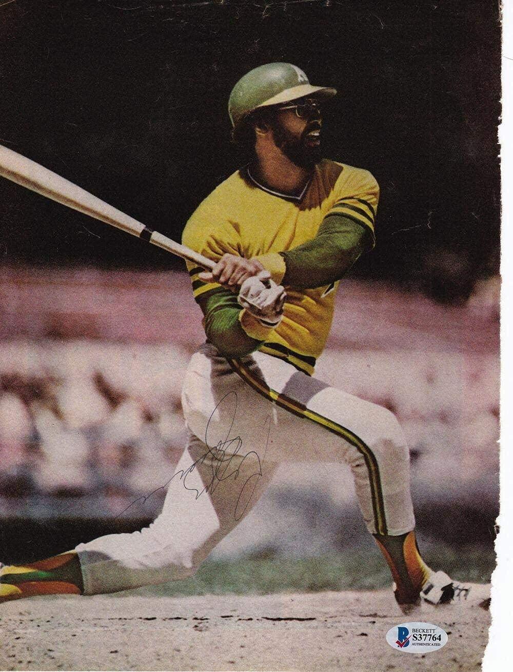 Reggie Jackson Oakland Athletics Signed Magazine Page Photo BAS - Beckett Authentication - Autographed MLB Magazines