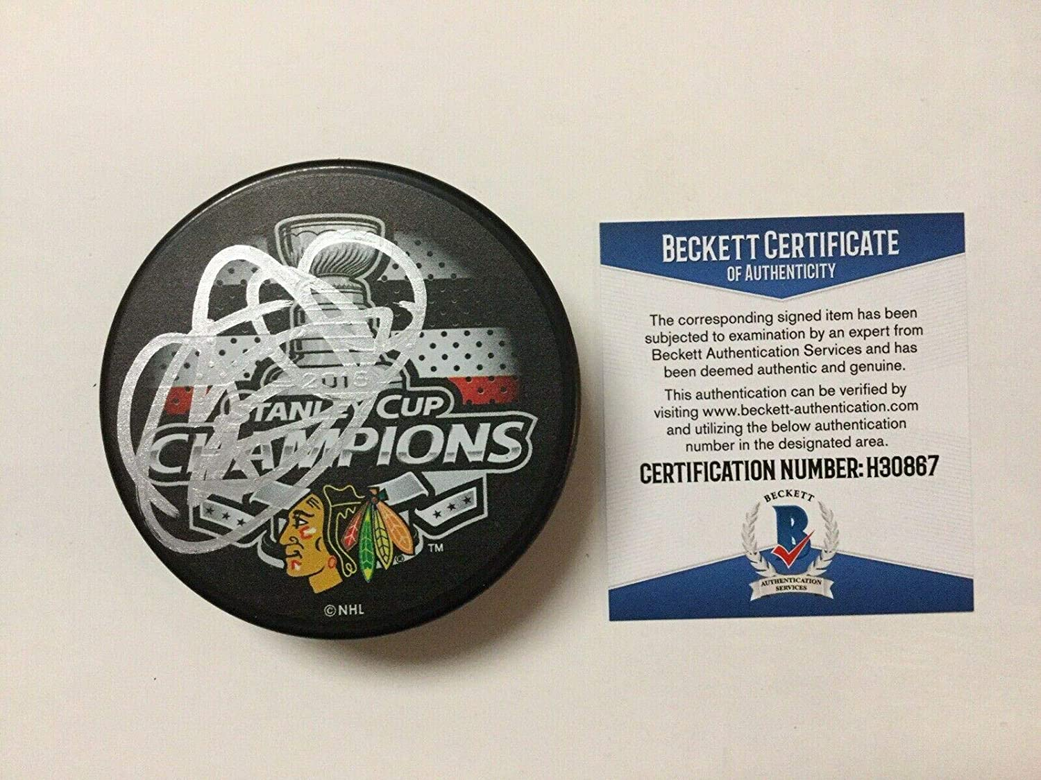 Brent Seabrook Signed Hockey Puck - 2015 Stanley Cup Beckett BAS COA a - Beckett Authentication - Autographed NHL Pucks