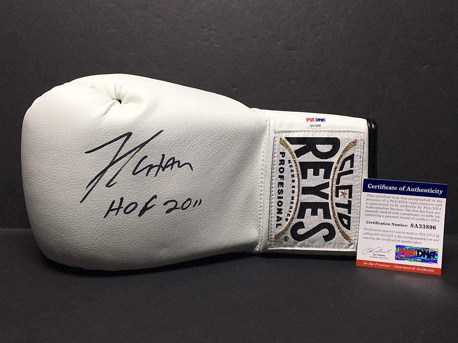 Julio Cesar Chavez Signed White Cleto Reyes Boxing GloveHOF 2011 8A33896 - PSA/DNA Certified - Autographed Boxing Gloves