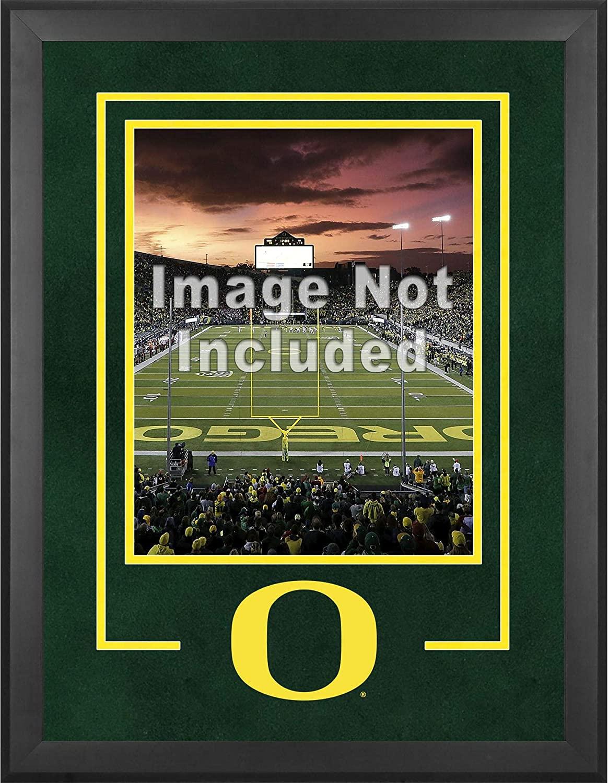 Fanatics Authentic NCAA Oregon Ducks Oregon Ducks Deluxe 16 x 20 Vertical Photograph Frame with Team Logo
