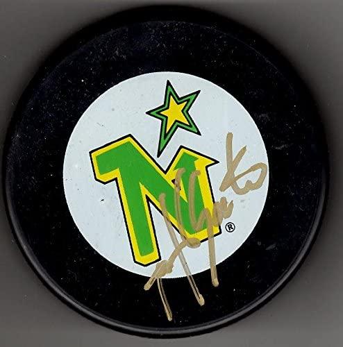 Autographed Mike Gartner Puck - Autographed NHL Pucks