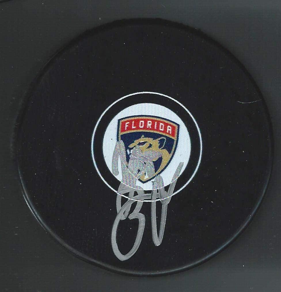 Autographed Henrik Borgstrom Puck - Autographed NHL Pucks