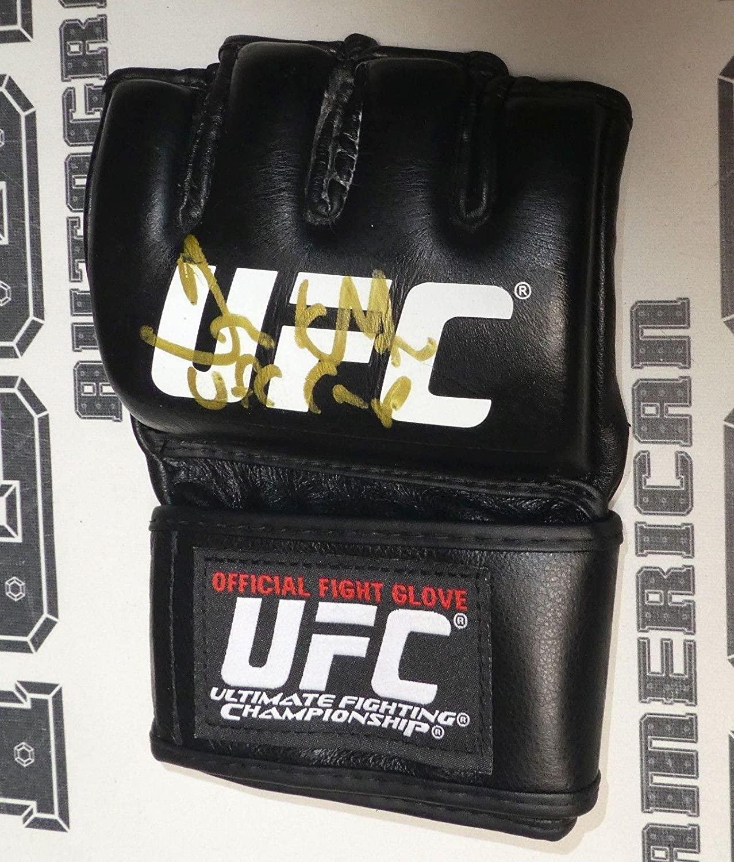 Frank Mir Signed Official UFC Fight Glove BAS Beckett COA Autograph 48 81 92 100 - Beckett Authentication