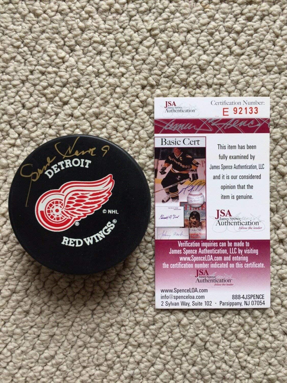 Gordie Howe Autographed Signed/Autographed Detroit Redwings Hockey Puck JSA