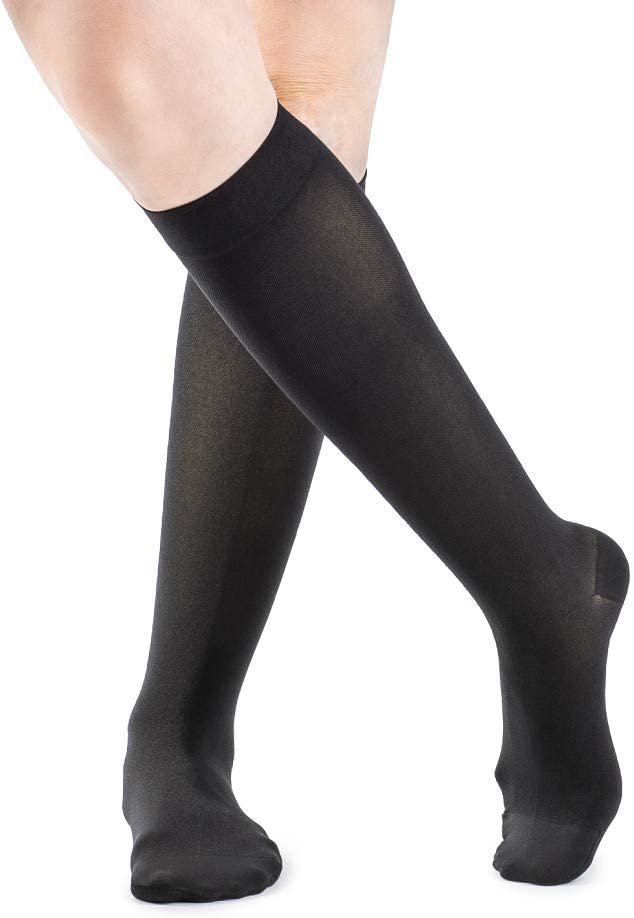 SIGVARIS Women's Style Soft Opaque 840 Closed Toe Calf-High Socks 15-20mmHg