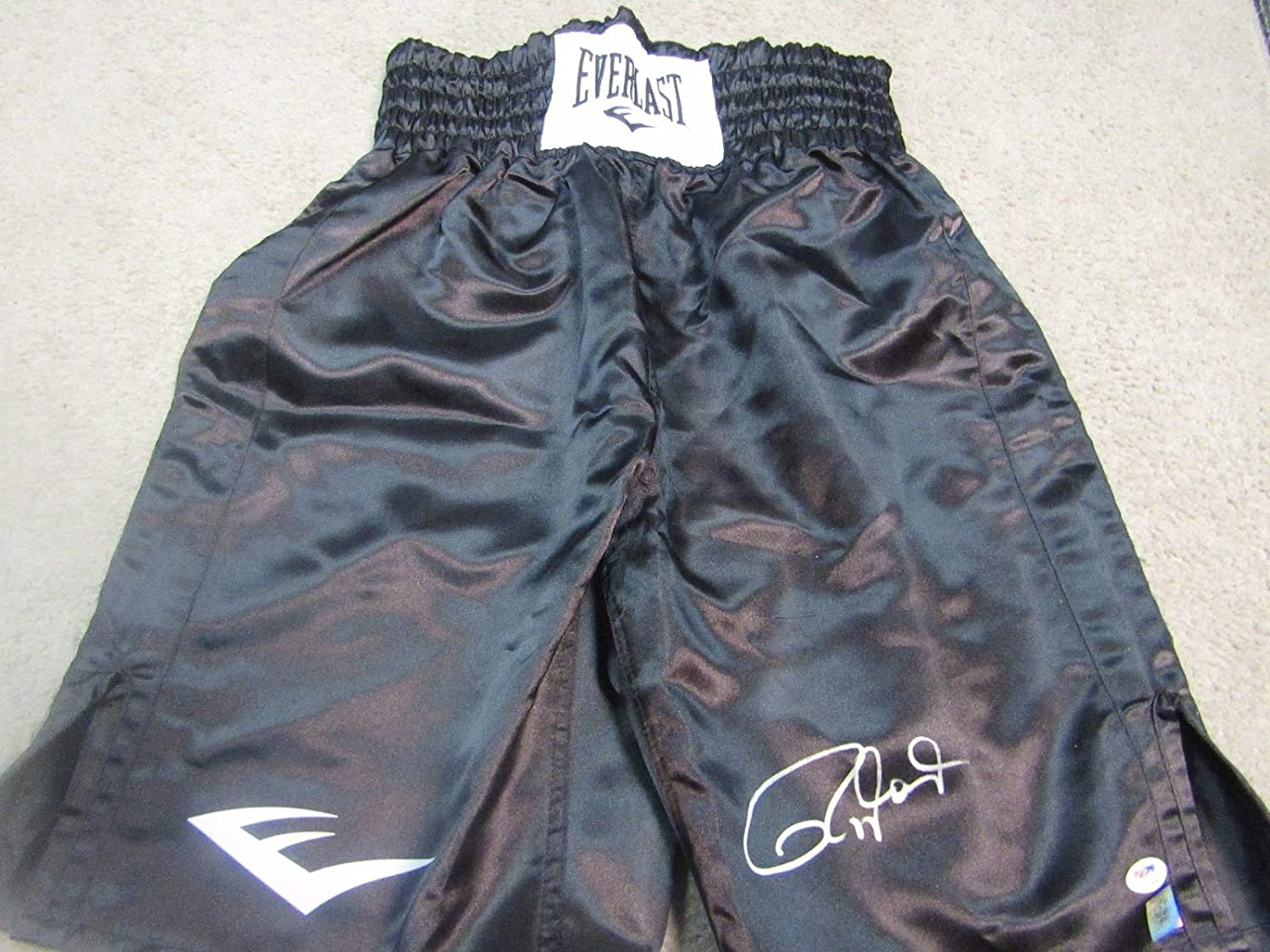 ROY JONES JR AUTOGRAPHED SIGNED BOXING TRUNKS PSA / DNA COA and Picture proof