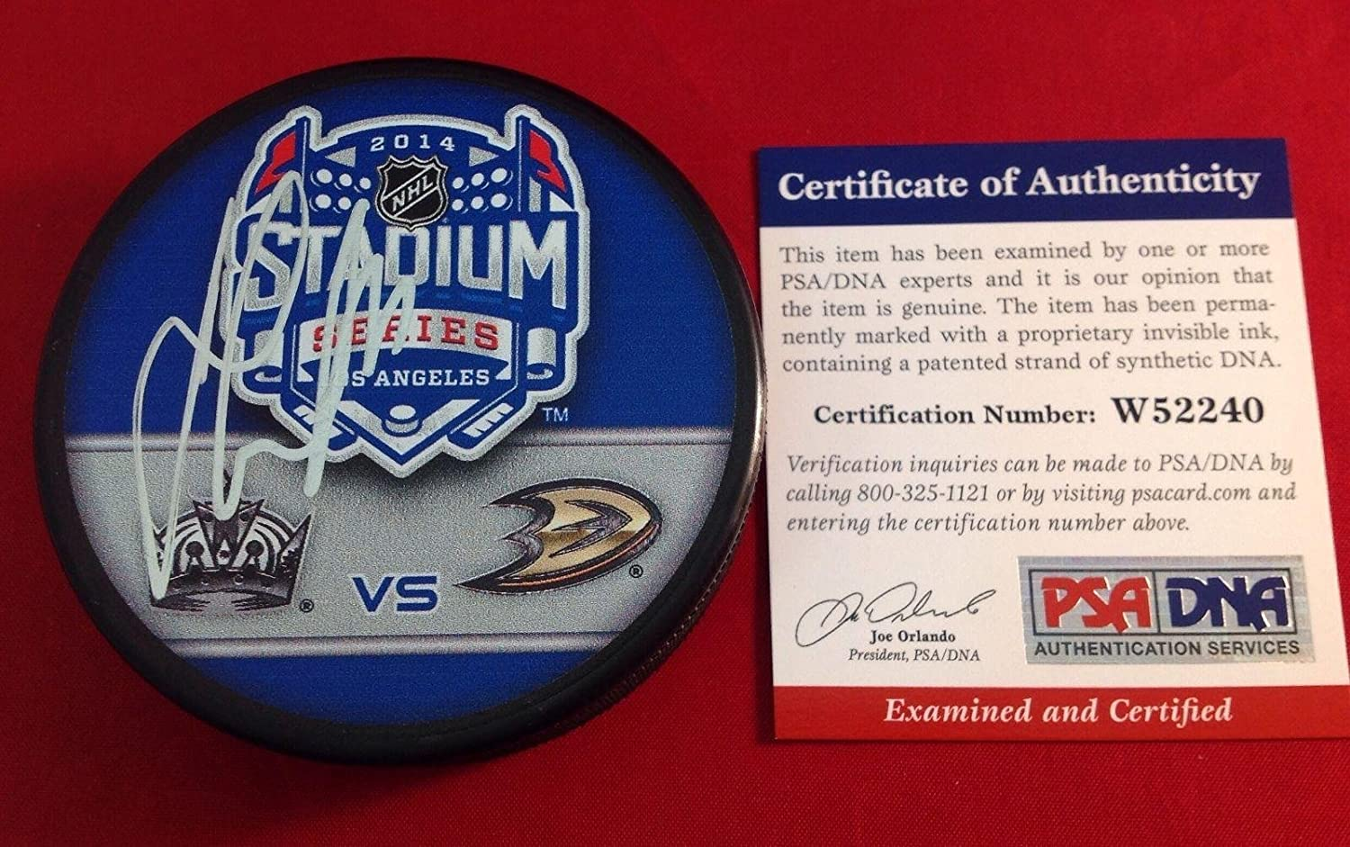 Jeff Carter Signed Hockey Puck - 2014 Stadium Series Cert# W52240 - PSA/DNA Certified - Autographed NHL Pucks