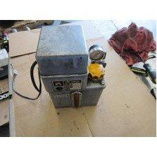 SHOWA LCB 4121B LCB4 121B LCB4121B 200V LUBE TANK SANTEC RB400 CNC VERT MILL