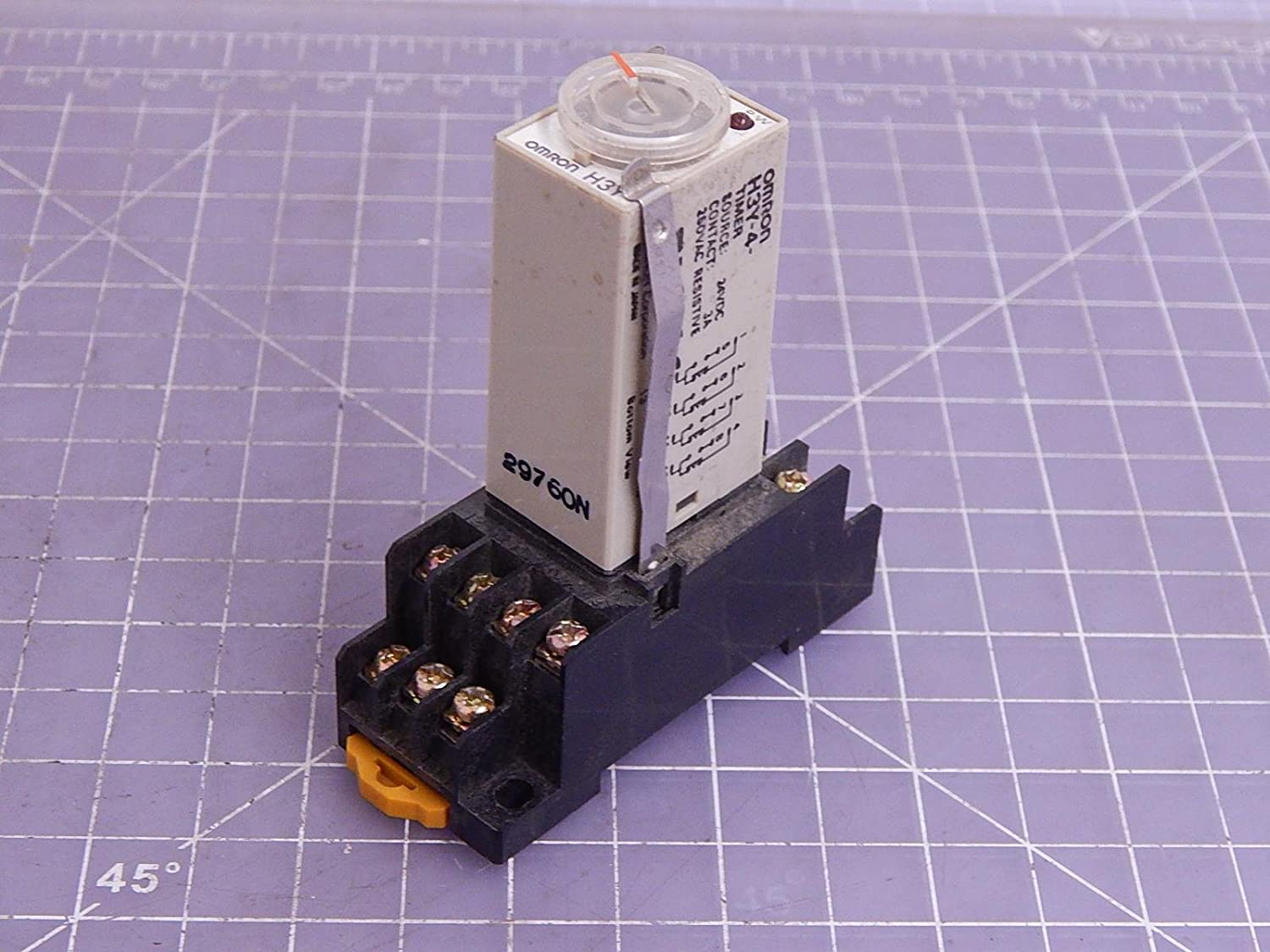 Lot of 2 Omron H3Y-4 Timers T18054