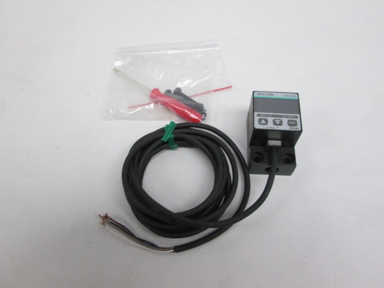 NEW SUNX DP2-40N PRESSURE SENSOR 12-24V-DC D305496