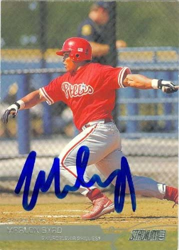 Marlon Byrd autographed Baseball Card (Philadelphia Phillies) 2002 Topps Stadium Club #109