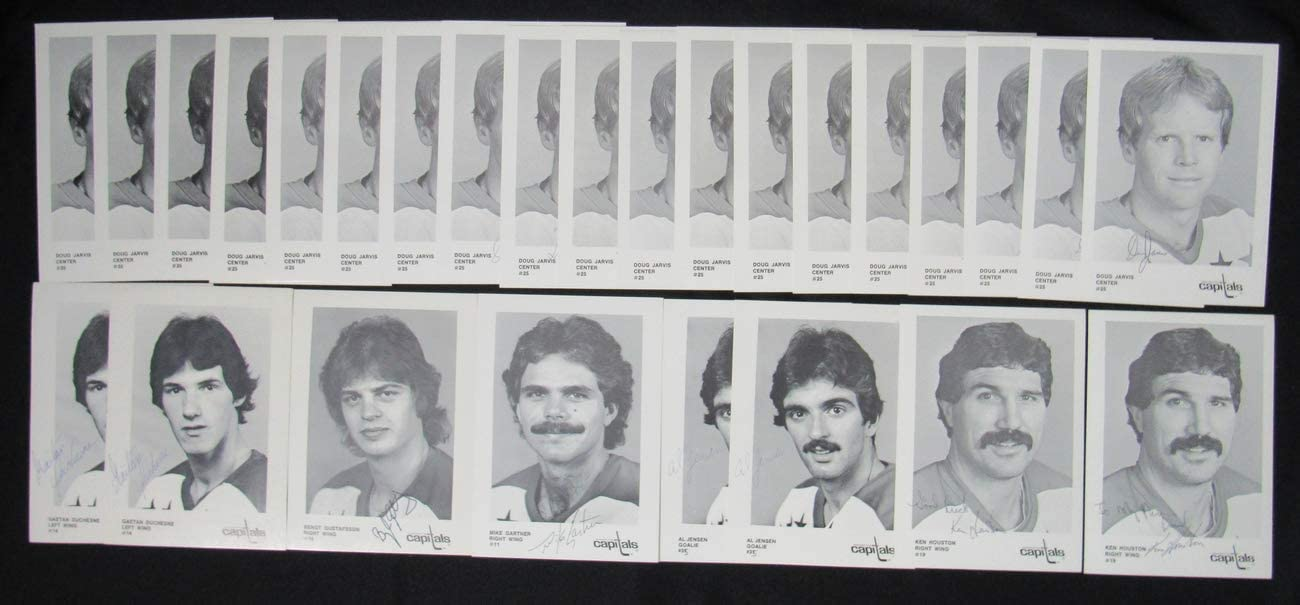 Lot of 27 1984-85 Washighton Capitals Signed 5.5x8.5 Team Postcards 150289