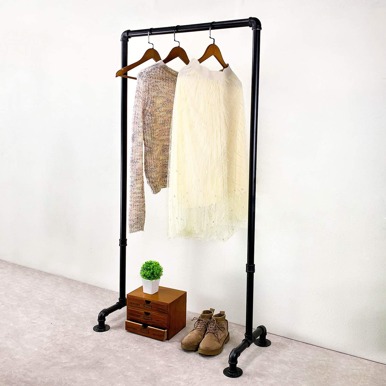Womio Industrial Pipe Clothing Rack,H59 xL30 inches Black