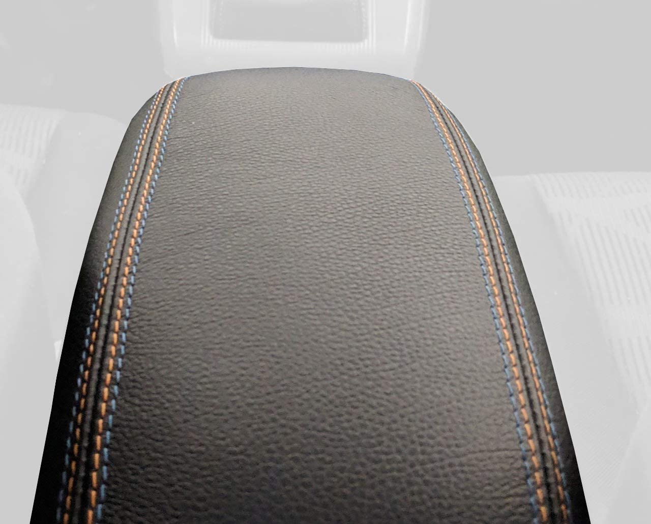 RedlineGoods cubierta de apoyabrazos (11-15) Compatible with Scion xB 2008-15. Cuero Negro PERFORADO Costura ROJA
