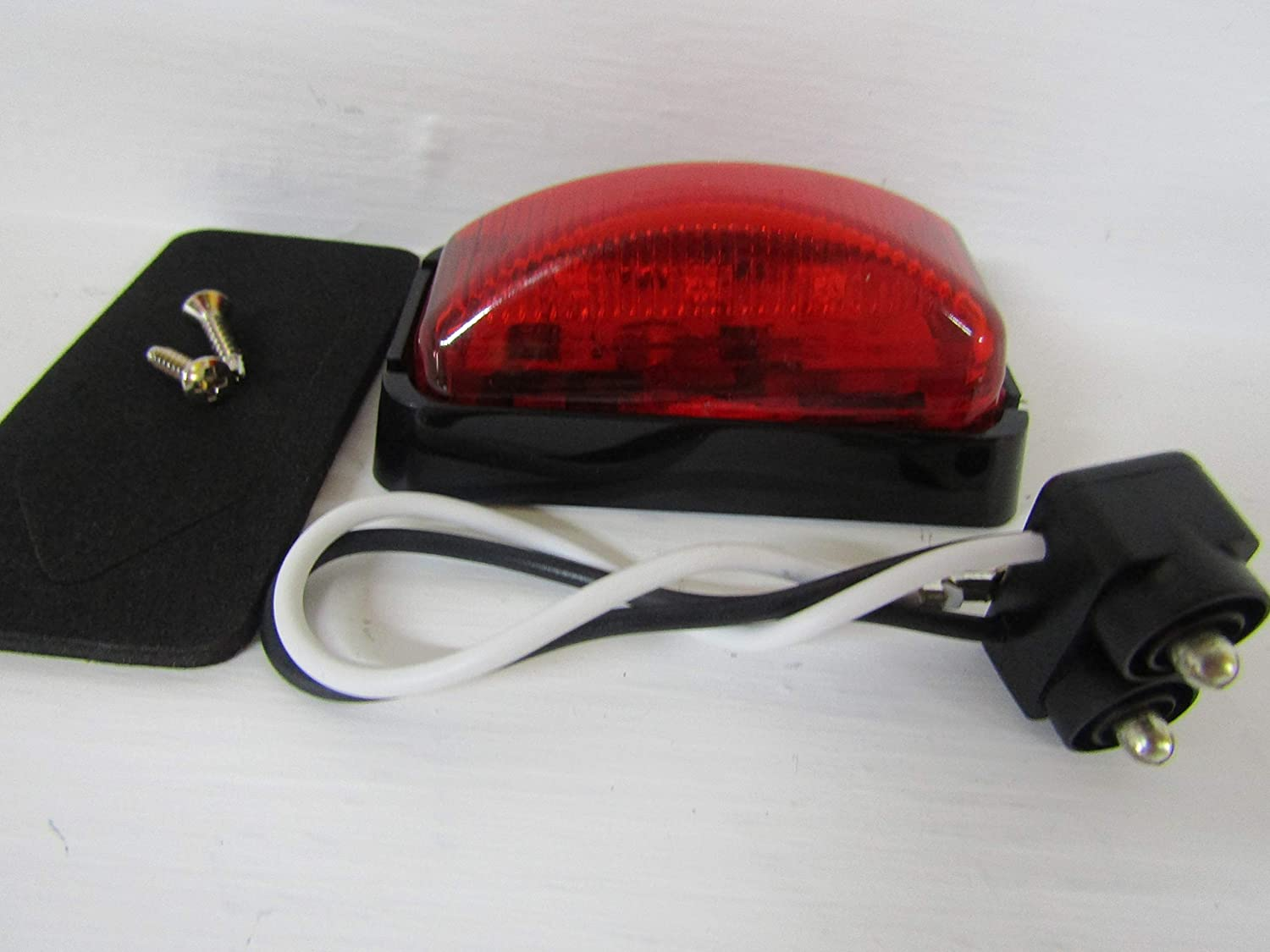 Buyers Products 2.5 Inch Red Surface Mount/Marker Light Kit with 3 LEDs (PL-10 Connection, Includes Bracket and Plug)