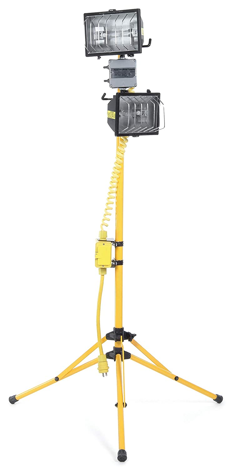 Woodhead 8511 Wide Area Light, Industrial Duty, Halogen Floodlight, 1000W Lamp Wattage, Stand Mount, NEMA 5-15 Configuration, 16/3 SOOW Cord Type, 120VAC at 60Hz Fixture Voltage, 25ft Cord Length