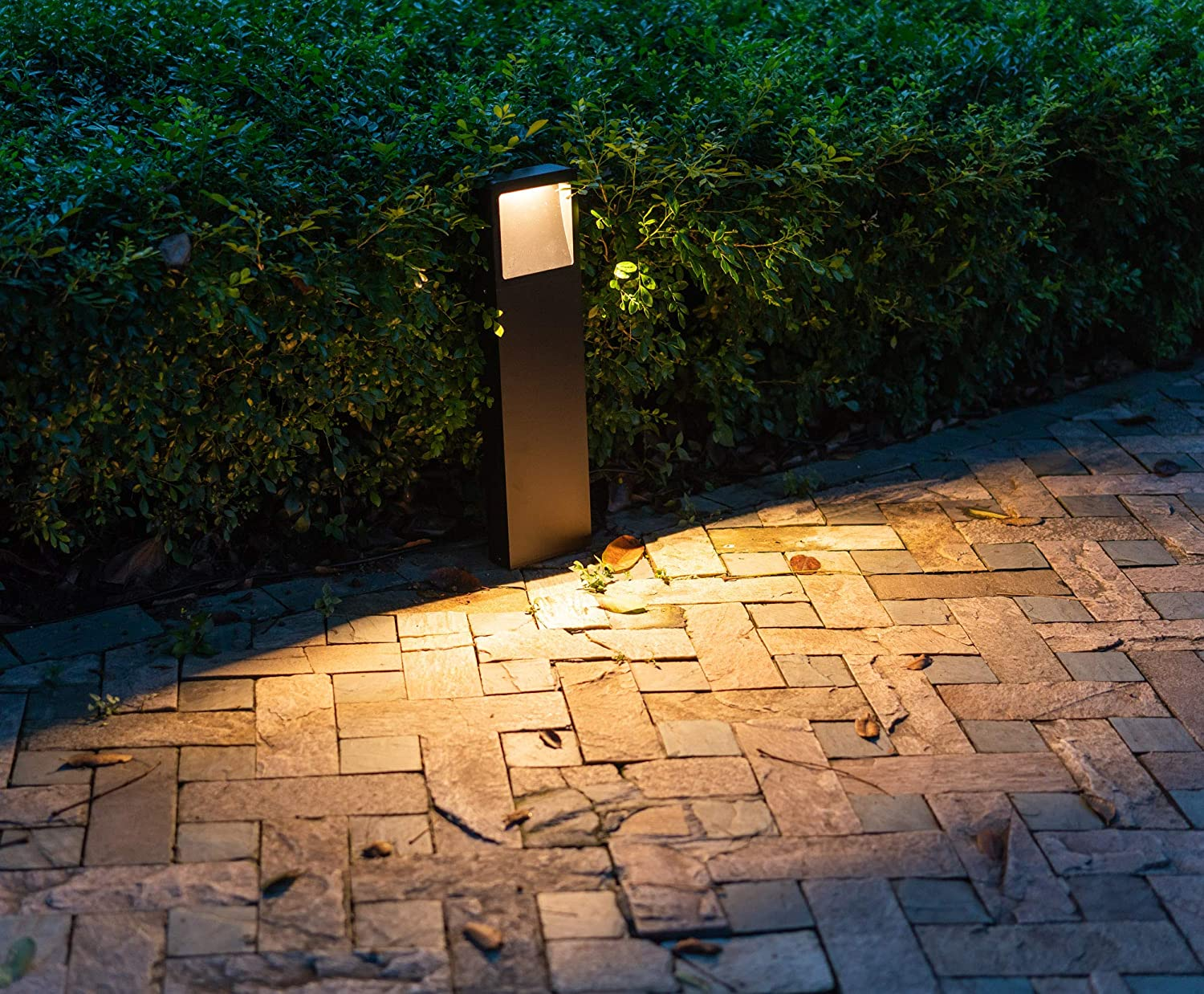 CNBRIGHTER LED Landscape Path Lights-Beveled Emitting,10 Watts, 2 ft/ 60cm Height,Waterproof Aluminum Outdoor Gardern Accent Pathway and Spread Area Lighting,Warm White 3000K