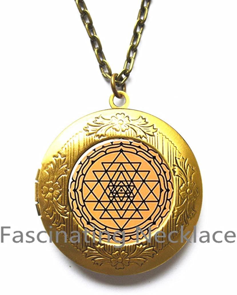 Sri Yantra Decal mandala Pattern mandala Locket Pendant Glass Cabochon Glass Locket Necklace Galaxy Locket Pendant Round Glass Locket Necklace,AQ207