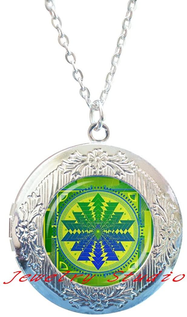 Charming fashion Locket Necklace,Retro Sri Yantra Glass Dome Locket Pendant Locket Necklace DIY Handmade Sared Geometry Buddhist Religion Jewelry Charm Unique Gift-HZ00201
