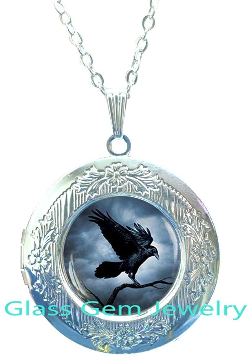 Raven Locket Pendant, Raven Locket Necklace , Crow Locket Necklace , Bird Jewelry, Steampunk gothic Locket Necklace , Black Bird Locket Necklace,Q0055