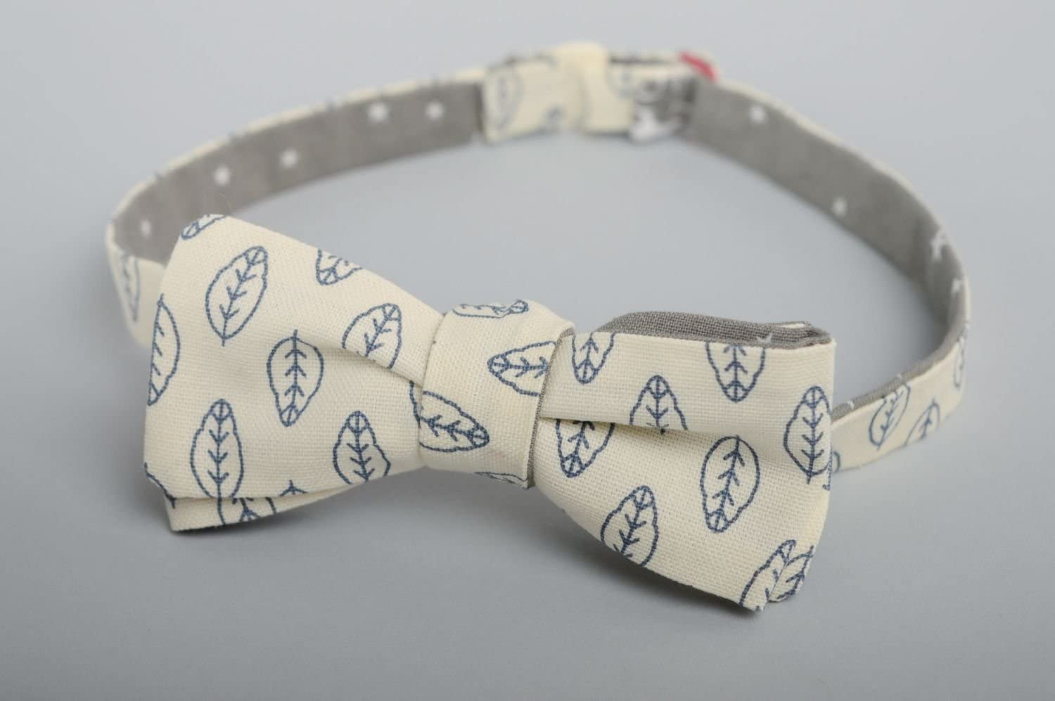 Two-sided Fabric Bow Tie Leaves