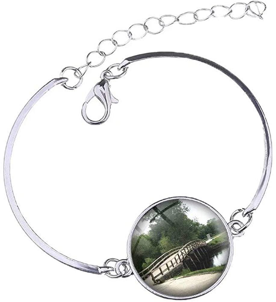 N/A USA America Concord North Bridge Massachusetts Womens Bracelet Crystal Glass Charm Silver Metal Adjustable Bracelet Travel Souvenirs Gifts for Girls