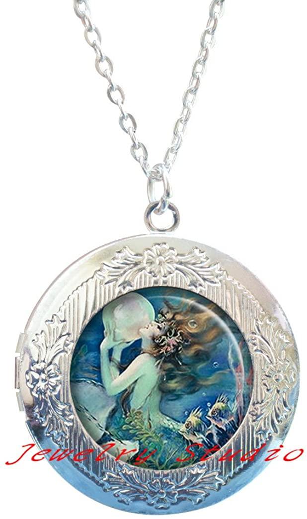 The Mermaid's Pearl Locket Pendant, Mermaid Locket Pendant, Mermaid Locket Necklace, Mermaid jewelry, fantasy jewelry, mermaid jewellery-HZ00450