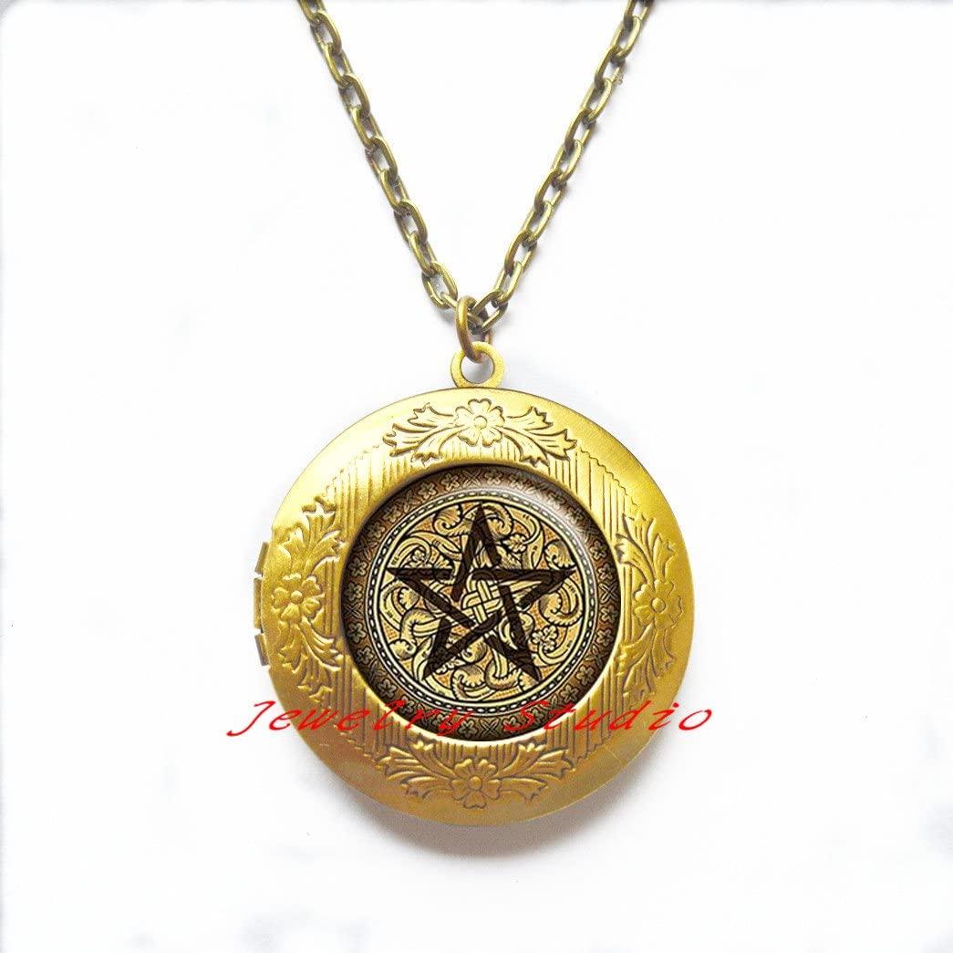 Pentacle Locket Necklace, Pentacle jewelry symbolic jewelry Wiccan jewelry Locket Necklace Pentacle Wiccan jewelry,glass dome Locket Pendant,photo Locket Pendant,glass dome Locket Necklace -HZ00336