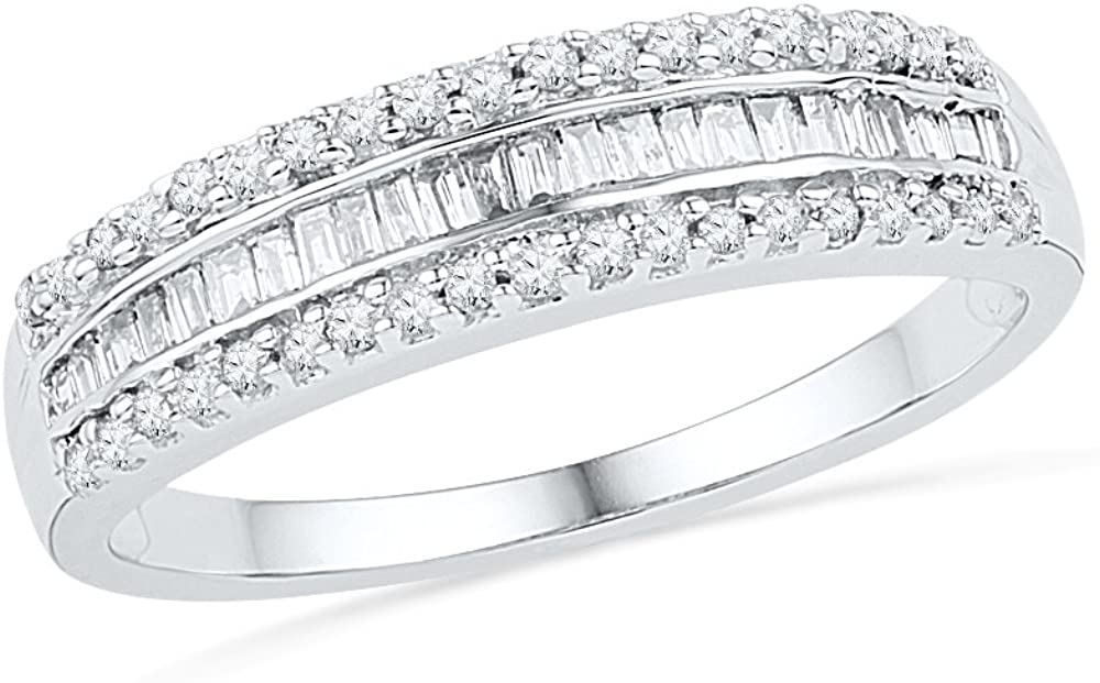 10KT White Gold Baguette and Round Diamond Fashion Ring (1/4 cttw)