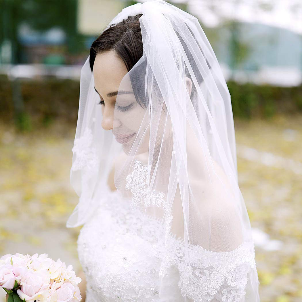Aukmla Bridal Wedding Veil With Metal Comb Lace Applique Edge Elbow Length for Brides