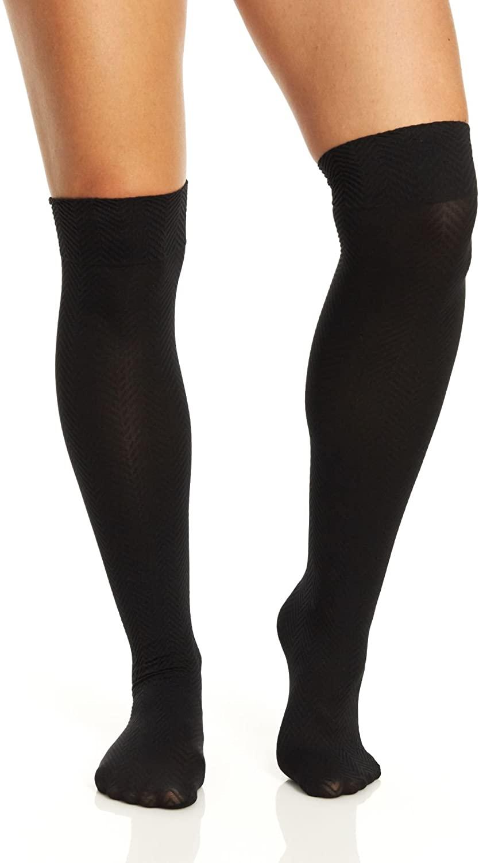 Hue Women's Chevron Quilted Knee High Socks, Black, Medium