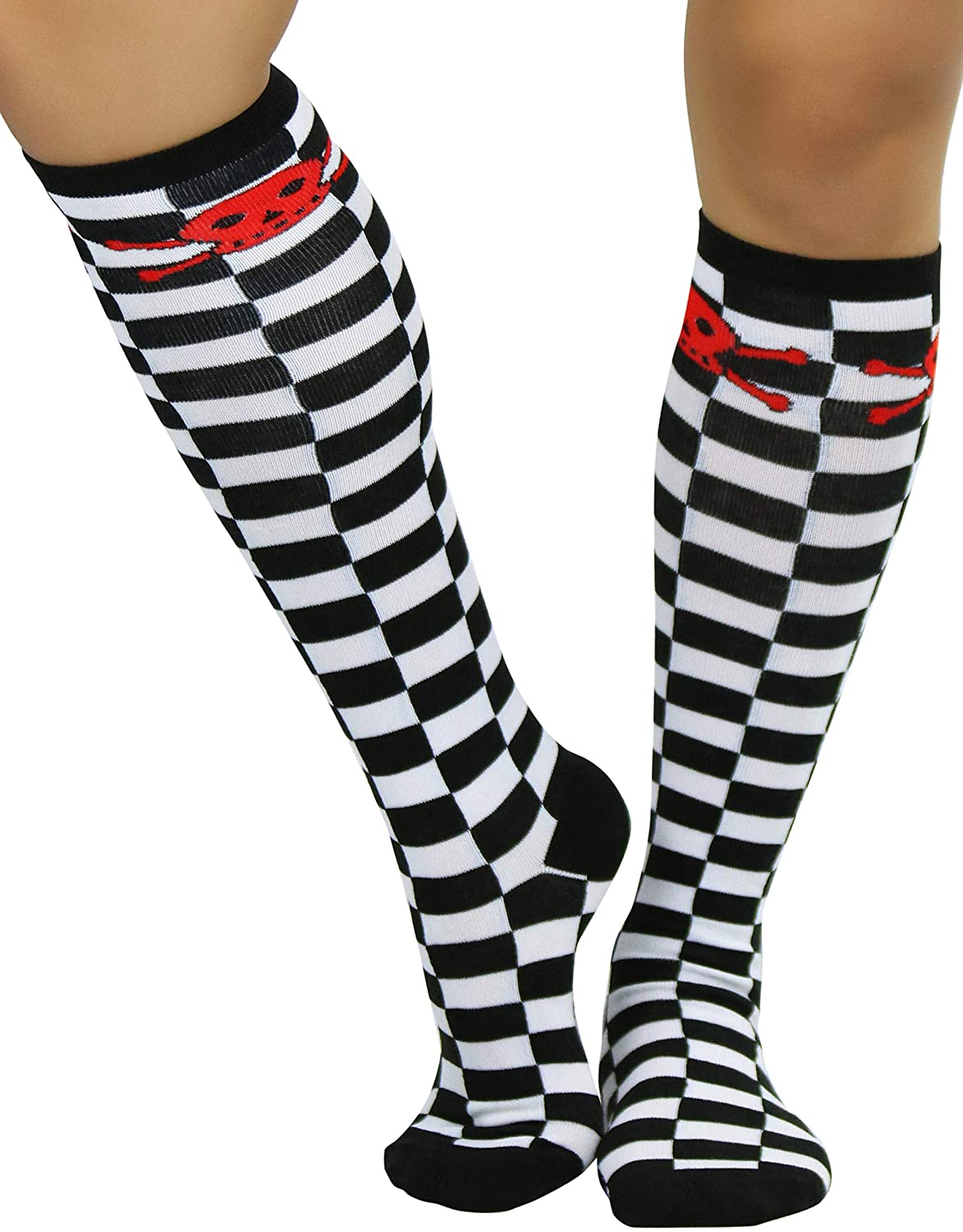 ToBeInStyle Women's Opaque Checker Knee High Socks With Crossbone Print Top