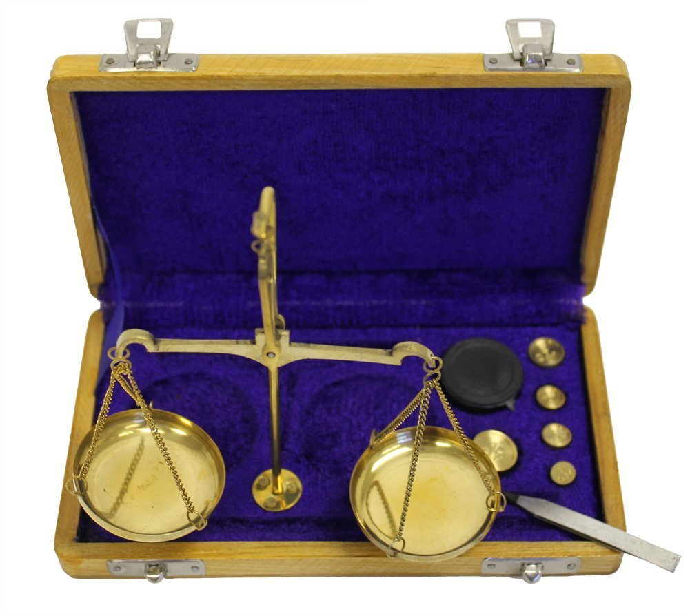 Brass Scales Traditional Handicrafts Old Balance Scales with Wooden Case Home Office Decor Gold Table Weighing Jewelry Vintage Apothecary Scale 100 Gram Capacity Antique Style