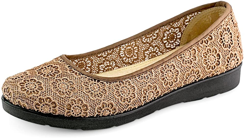 LaoMeiHua Chinese Handmade Women Shoes with Lace Flower Embroidery