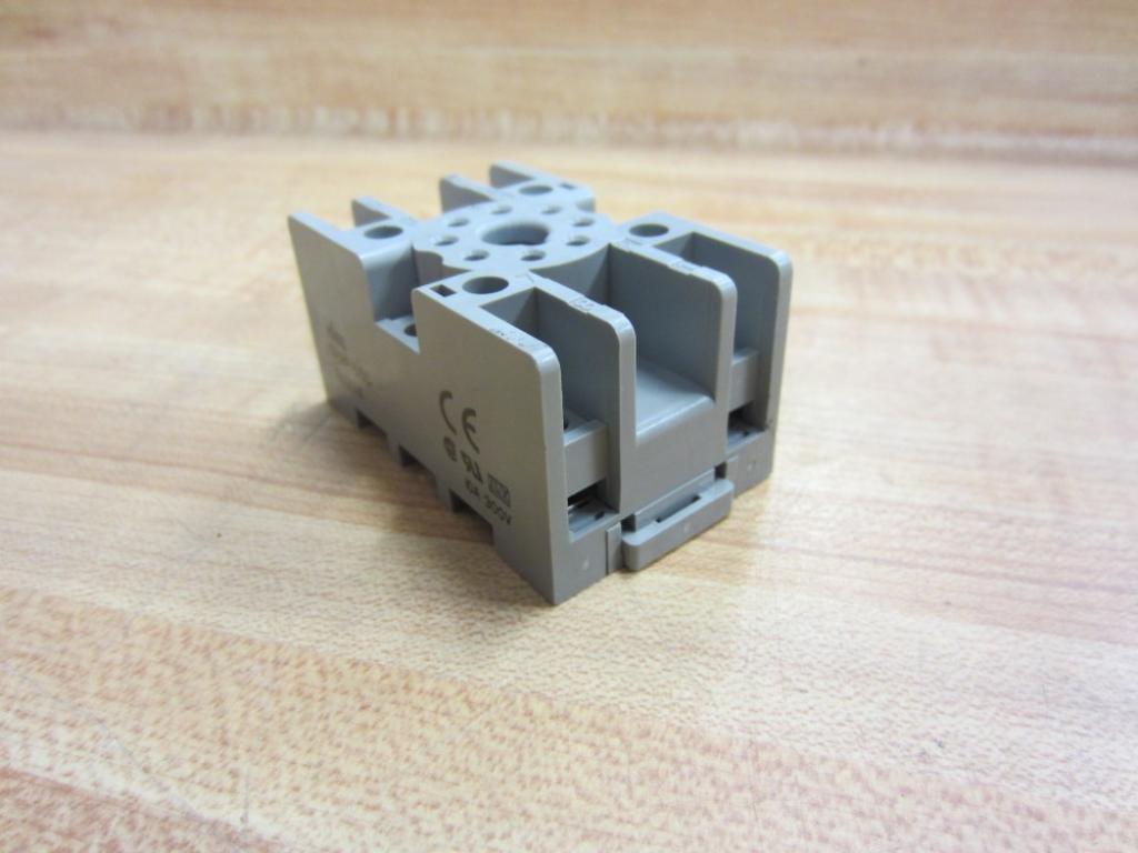 Idec SR2P-05C Relay Socket SR2P05C (Pack of 6)