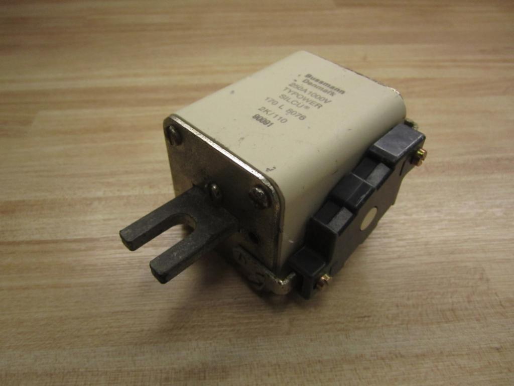 Bussmann 170 L 8076 Typower Silcu Fuse Tested