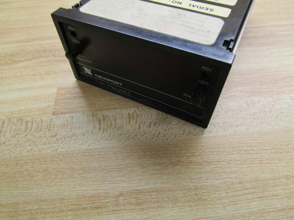 Newport Q2001AVR2 Controller