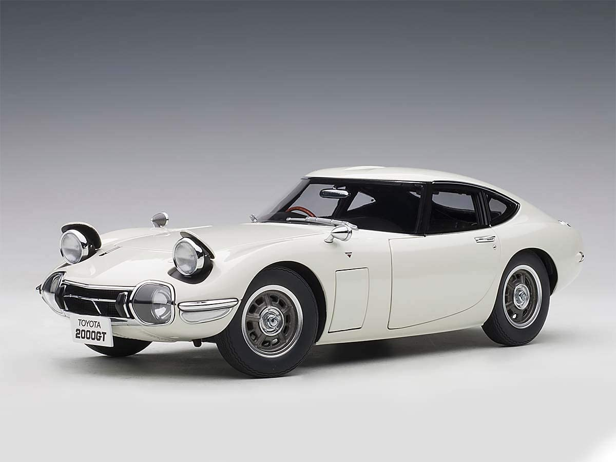 Toyota 2000GT Coupe White 1/18 Model Car by Autoart 78753