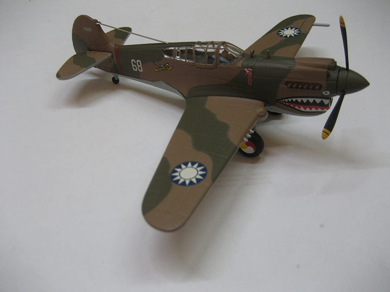 Hallmark Legends in Flight Curtiss P-40 Warhawk Miniature Airplane QHA1000