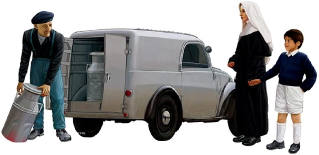 Bronco 1/35 Italian Light delivery Van w/Civilian CB35171
